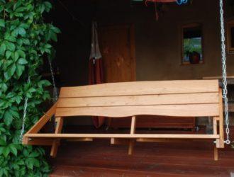 Akátová lavice - houpačka_čelní pohled