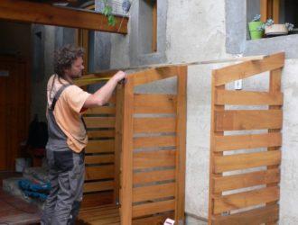 Výroba akátového dřevníku