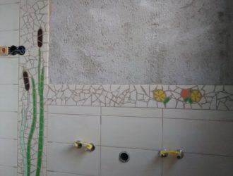 10_Koupelna stena s lednackem